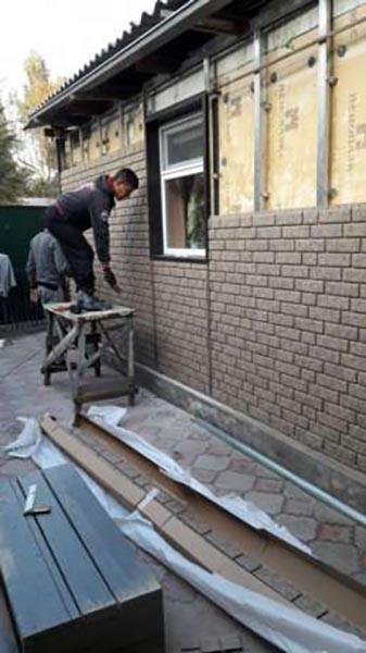 Монтаж Стоун-хаусом (Stone House) стена дома в Алматы MAXstone